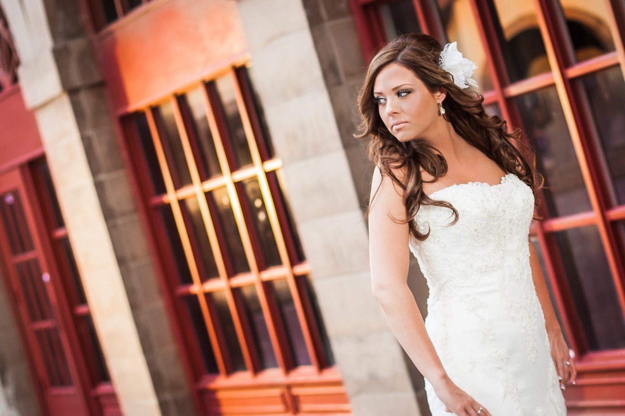 Photography of a bride in her wedding dress looking beautiful in Dallas, Texas